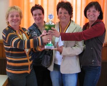 Sieger Damenmannschaft Zum Schwarzen Ross Bunde